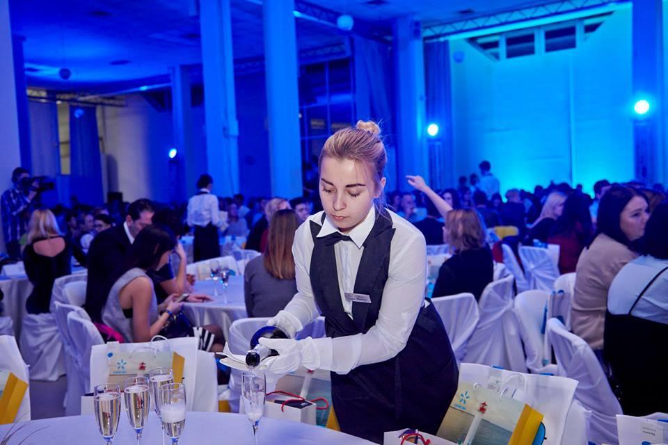 Официанты на свадьбу